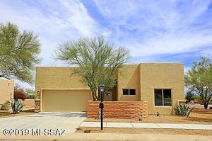 612 N Avenida Cipres, Green Valley, AZ 85614