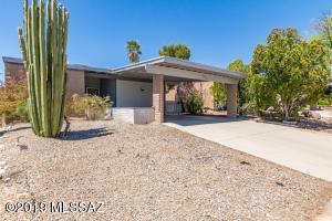6965 N Village View Drive, Tucson, AZ 85741