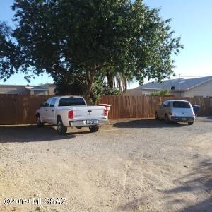 442-446 E Blacklidge Drive, Tucson, AZ 85705
