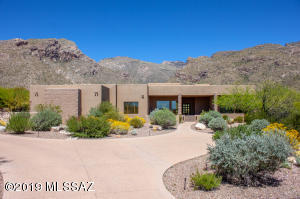 Beautiful 5 BR, or 4 BR & Office home in the Gated area of Pima Canyon.