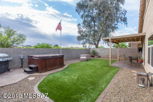 9321 N Painted Sky Drive, Tucson, AZ 85743