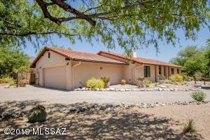 5720 N Moccasin Trail, Tucson, AZ 85750