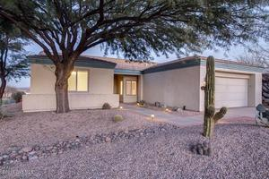 308 N Bent Ridge Drive, Green Valley, AZ 85614
