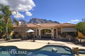 151 E Silverstone Place, Tucson, AZ 85737