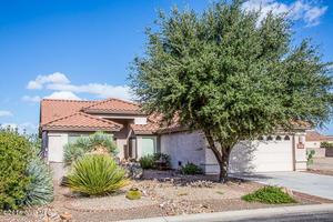 889 N Kenneth Drive, Green Valley, AZ 85614