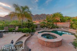 6346 N Pinnacle Ridge Drive, Tucson, AZ 85718