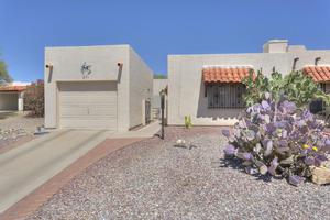 971 N Camino De Luz, Green Valley, AZ 85614