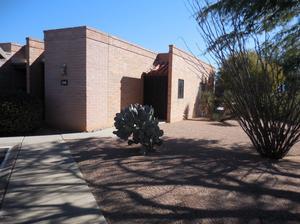 1455 W Desert Hills Drive, Green Valley, AZ 85622