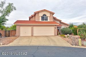 1206 W Wild Dune Lane in Gated Villages of La Canada