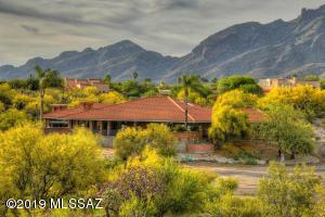 4905 E Salida Del Sol Place, Tucson, AZ 85718