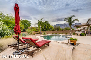 12340 N Echo Valley Drive, Oro Valley, AZ 85755