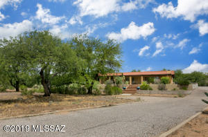 808 Pso Del Canto, Green Valley, AZ 85622