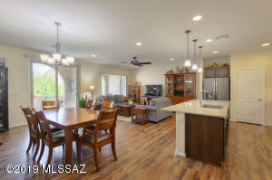 Welcome to Quail Creek and Luxury Villa Living