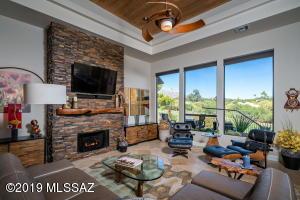 6540 N Turnberry Drive, Tucson, AZ 85718