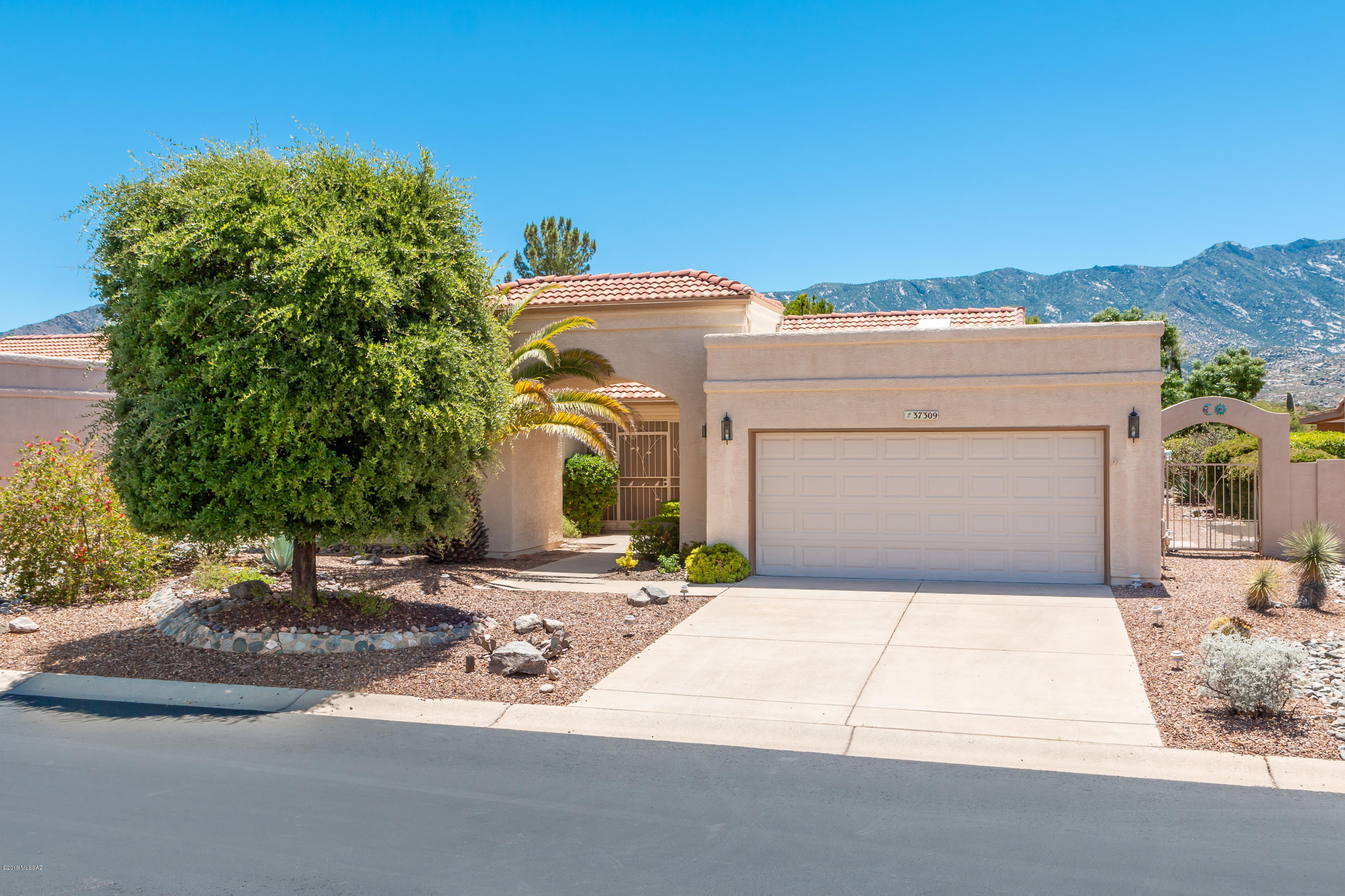 Photo of 37309 S Blackfoot Drive, Saddlebrooke, AZ 85739