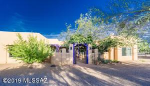 3751 W Calle Uno, Green Valley, AZ 85622