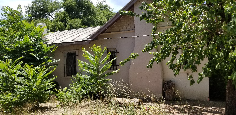 Photo of 1016 N Bankerd Avenue, Nogales, AZ 85621