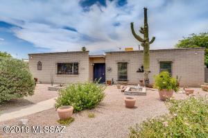 717 N Camino Seco, Tucson, AZ 85710