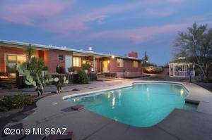 1261 W Panorama Road, Tucson, AZ 85704