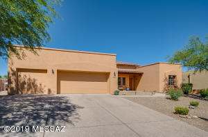 Attractive, contemporary Pepper Viner home. Entire exterior has been painted.