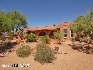 1425 N La Canoa, Green Valley, AZ 85614