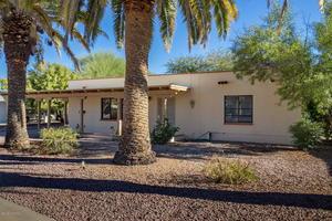 236 E Los Rincones, Green Valley, AZ 85614