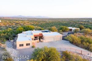 11746 E Saguaro Crest Place, Tucson, AZ 85747
