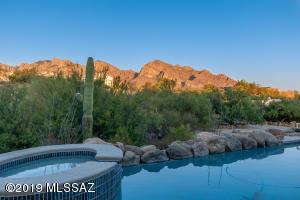 10964 N Poinsettia Drive, Tucson, AZ 85737