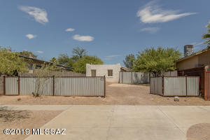 Located in Central Tucson, the Hoff-Cochran-Riecker Subdivision, a 360Sqft Studio Home; one Bedroom , one Bath home near Downtown.