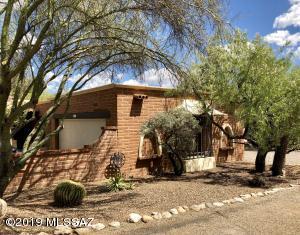 6332 N Calle De Adelita, Tucson, AZ 85718