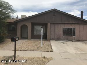 7662 N Soledad Avenue, Tucson, AZ 85741