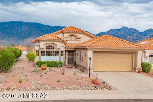 Immaculate Sonoran model. Almost 1,500 sq. ft.