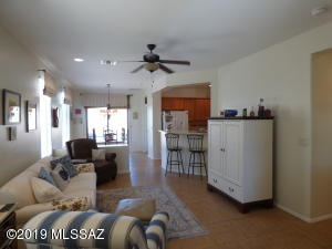 589 N Rugged Canyon Drive, Green Valley, AZ 85614