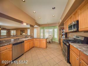 615 W Grantham Street, Vail, AZ 85641