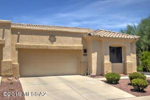 552 W Knotwood Street, Green Valley, AZ 85614