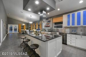 843 S 2nd Avenue, Tucson, AZ 85701