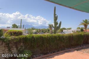 1671 S San Luis, Green Valley, AZ 85614
