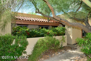 5753 N Camino Esplendora, Tucson, AZ 85718