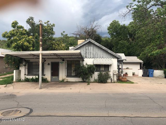 Photo of 1080 N Bankard Ave, Nogales, AZ 85621