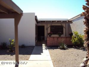 175 W Calle Del Chancero, Green Valley, AZ 85614
