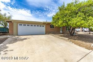 8618 E Colette Street, Tucson, AZ 85710