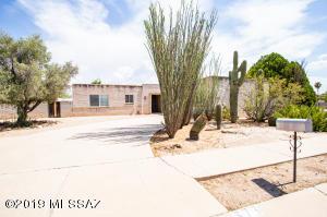 373 S Bluefield Place, Tucson, AZ 85710