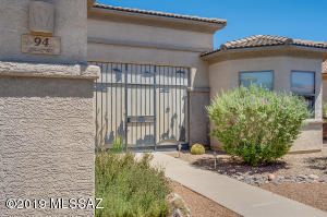 94 N Via Del Clavelito, Green Valley, AZ 85614
