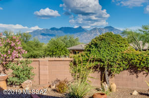 5565 S Guthrie Peak Drive, Green Valley, AZ 85622