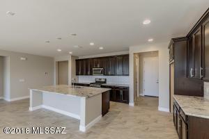 7649 W Laurel Lane, Marana, AZ 85658