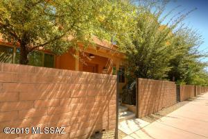 2394 E Blue Diamond Drive, Tucson, AZ 85718