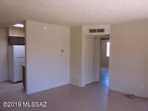 2010 S Montezuma Avenue, Tucson, AZ 85711
