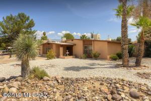 2900 N La Chiquita Avenue, Tucson, AZ 85715