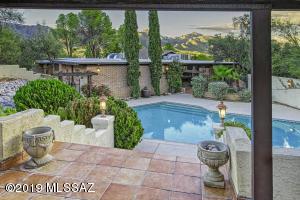 8242 E Sandstone Drive, Tucson, AZ 85750