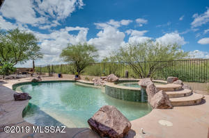 Sparkling Pool & Spa in this very private backyard